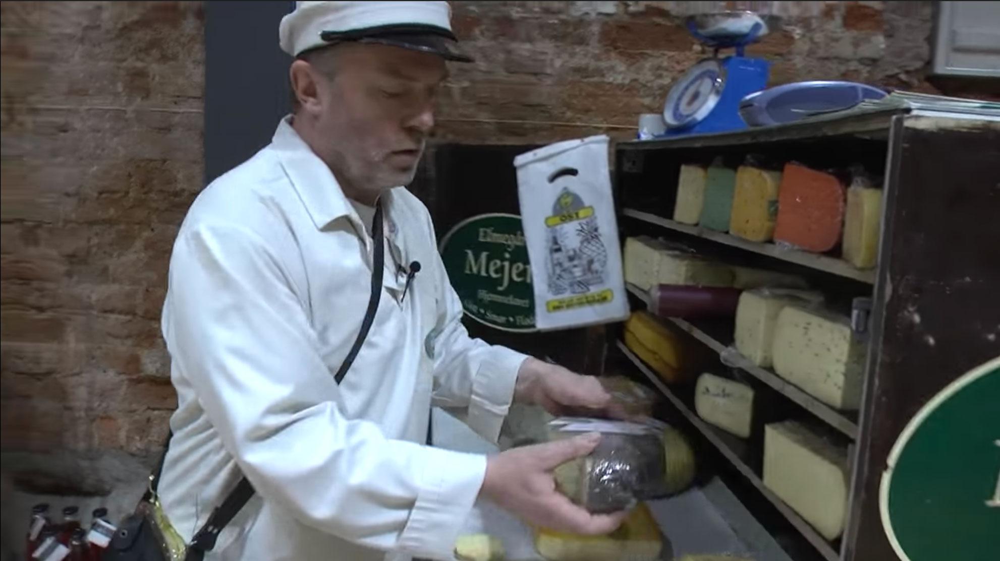 Håndlavede oste fra Elmegaarden ved Sommersted